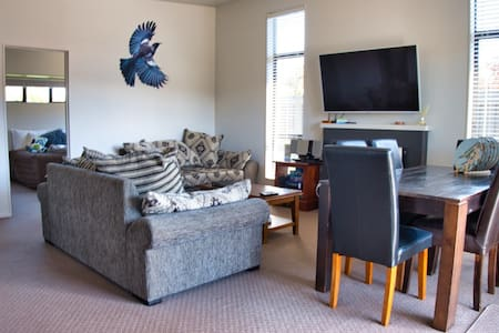 Tongariro couples retreat + private hot tub