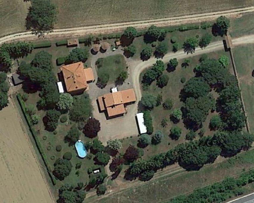 veduta aerea della villa
