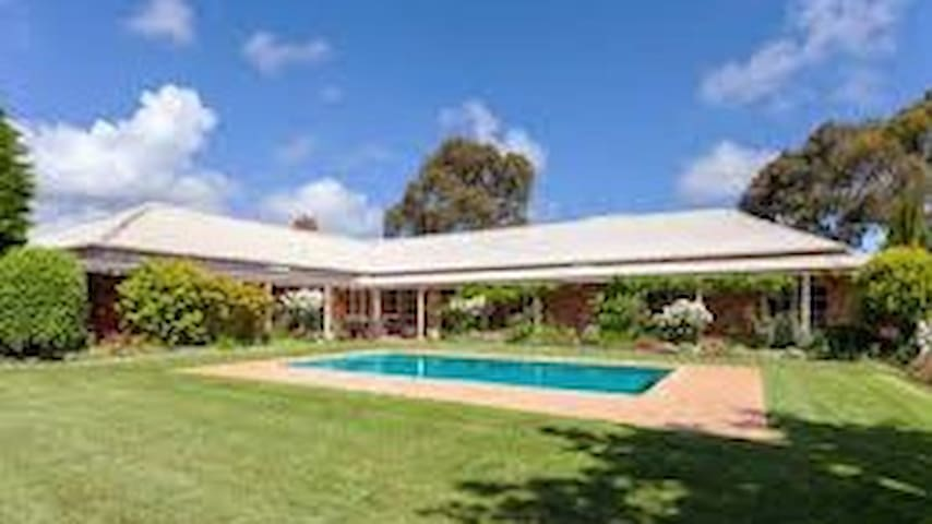 Mornington Country Retreat - Tyabb - Huis