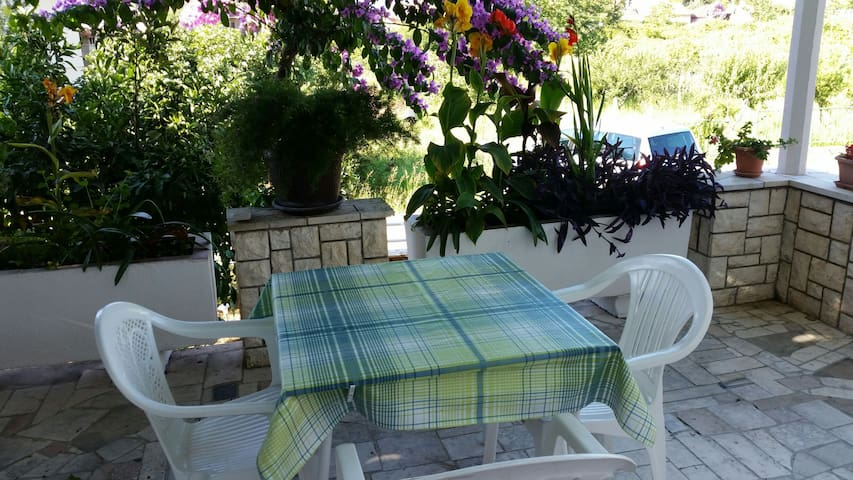 Apartment for three ,Trpanj,Croatia - Trpanj - Casa