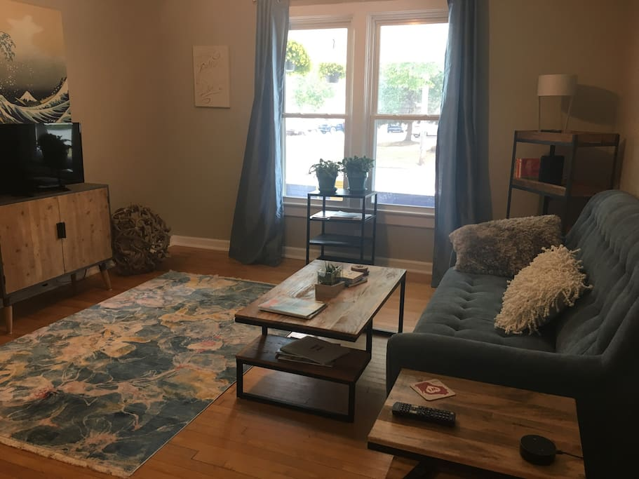 Living room with seating for 6