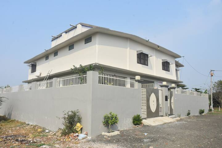 R K Home Stay - Holiday Home Near Bhopal