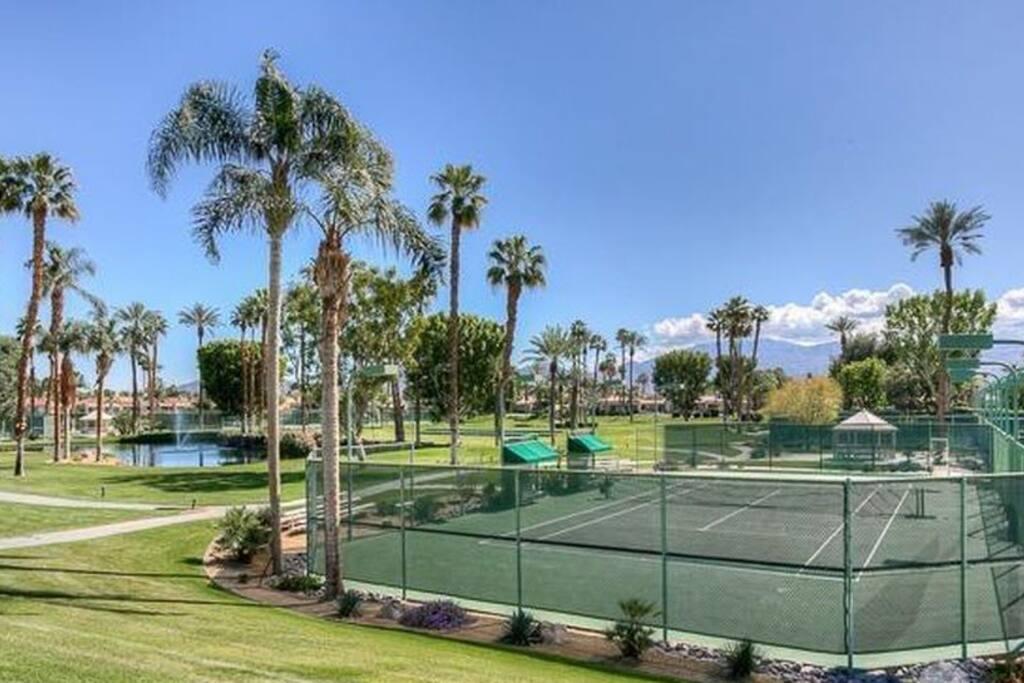 Lake Mirage Tennis Courts
