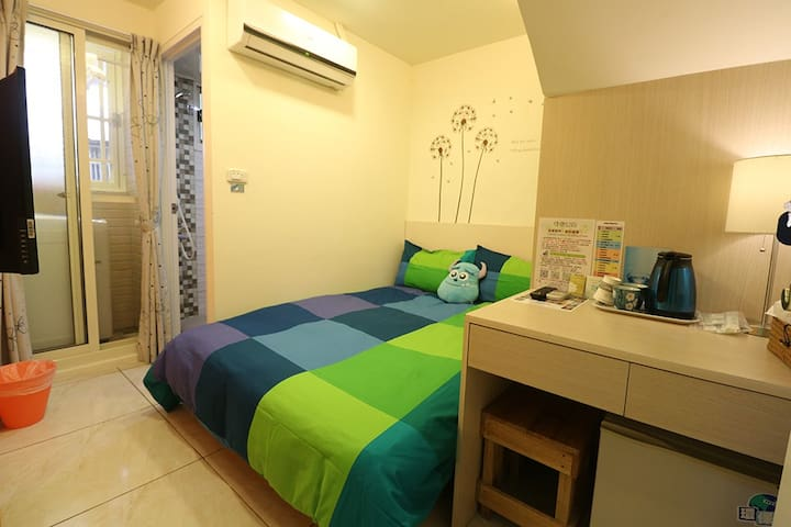 台中逢甲-hongkong Room Taichung Fengjia - Xitun District - House