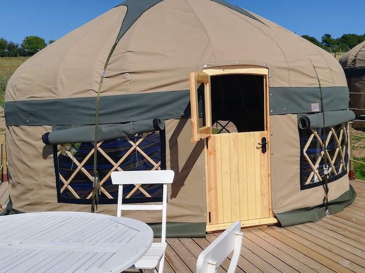 Meadow View Yurt Just outside Looe (Sleeps 3)