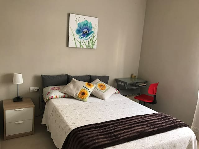 Cosy room with double bed - Barcelona - Lägenhet
