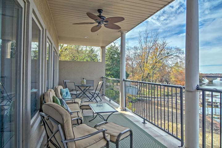 Lakefront Hot Springs Condo w/Private Patio - Lake Hamilton - Condominium
