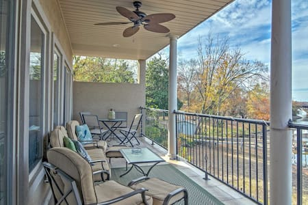 Lakefront Hot Springs Condo w/Private Patio - Lake Hamilton - Osakehuoneisto