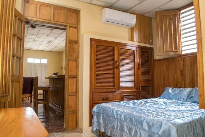 Habitación 1 del Hostal El Gallo, bien confortable