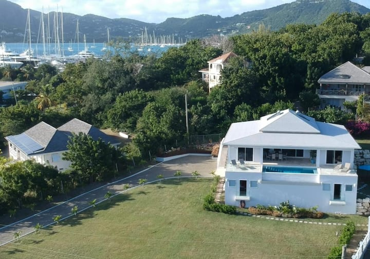 Villa Waves, English Harbour, 5 bedrooms & Pool