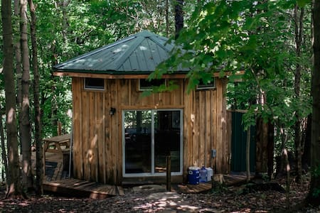 Secluded Octagon Tiny House Artist Retreat