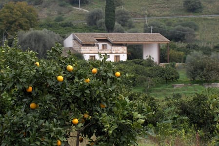 SACRE PIETRE - Pantalica - Sortino - Bed & Breakfast