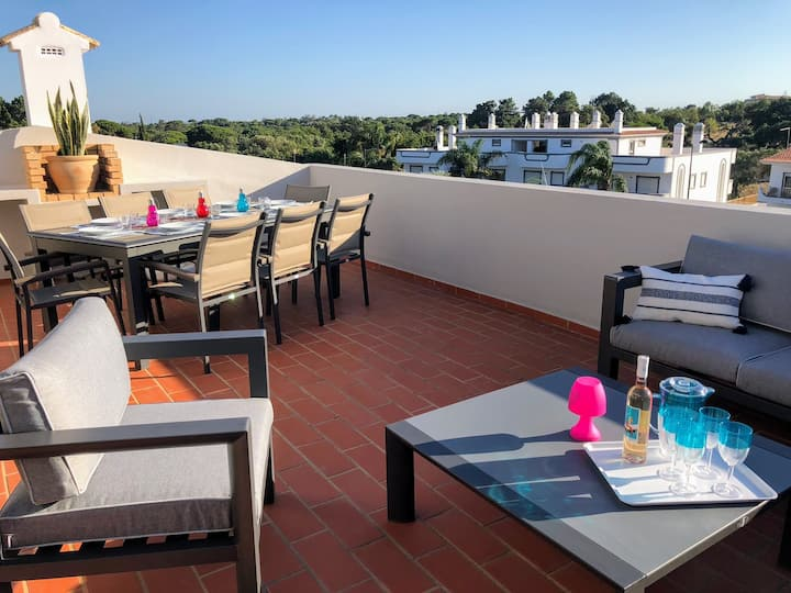 Lovely apartment 3 + 1 bedrooms & private terrace