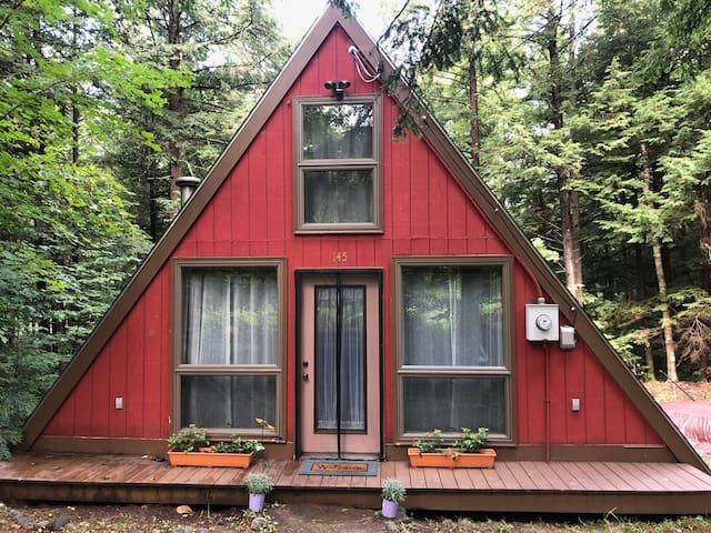 Charming A-Frame at Hermit Lake