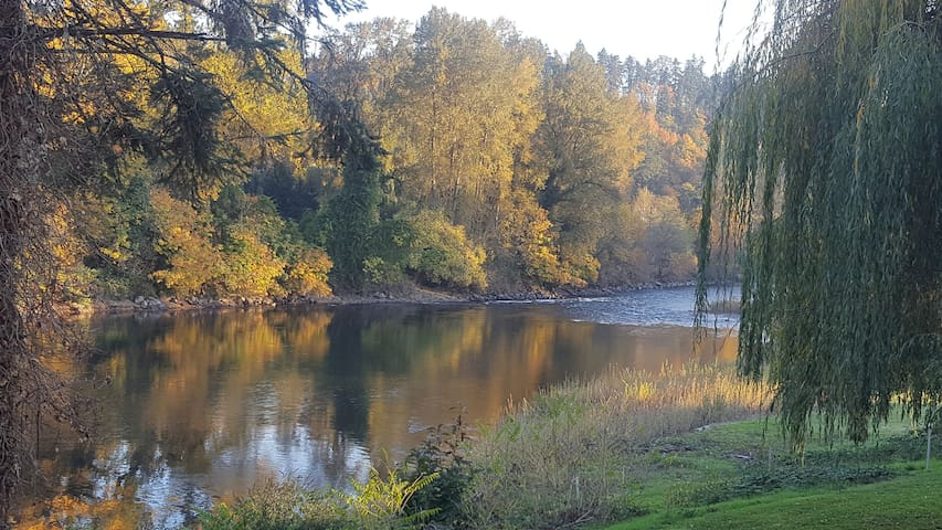 Clackamas River fishing and scenery!