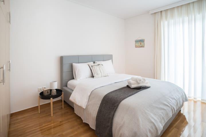 Marousi modern apartment A2- 2 min walk from metro