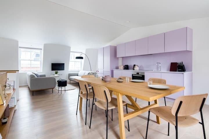 Central // 3BR Penthouse // Terrace // Duplex