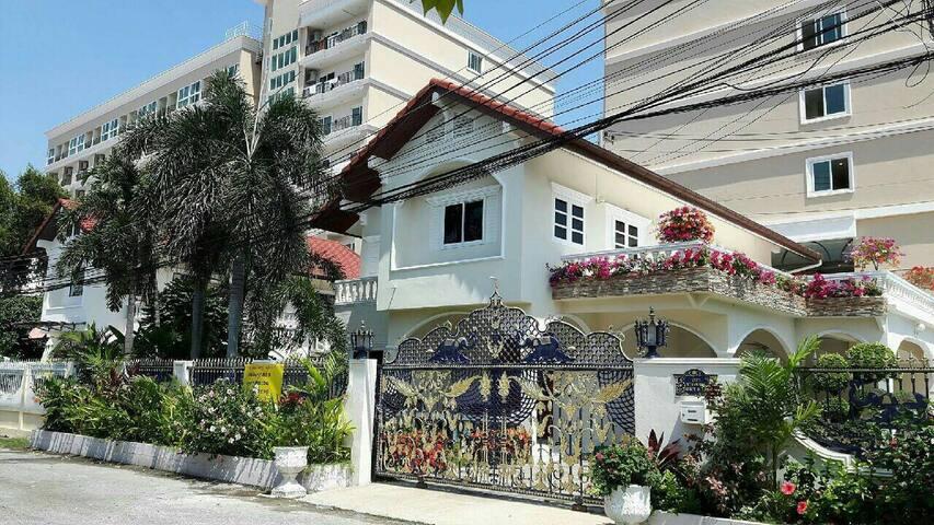 Pretty Pattaya Entire Home