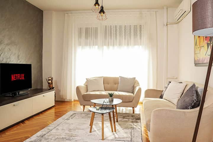 LINA - SKP, Cozy Central Apartment in the City Center
