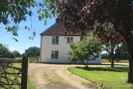 One bedroom in lovely country house - Woodlands Saint Mary