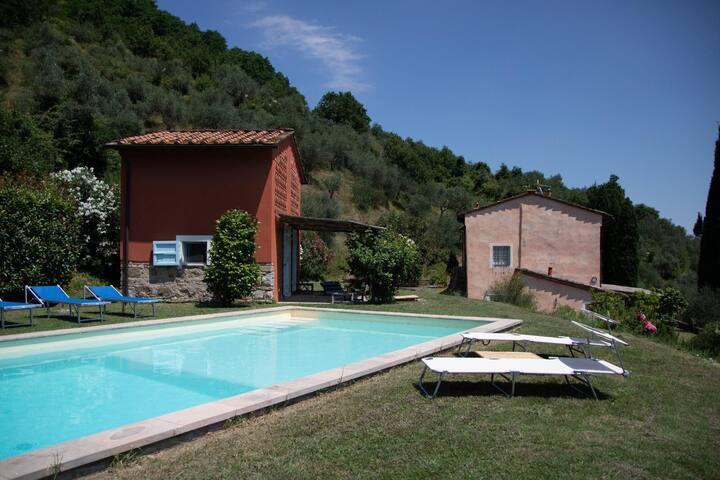 ARNOLFA , natura &relax , fast wifi & piscina