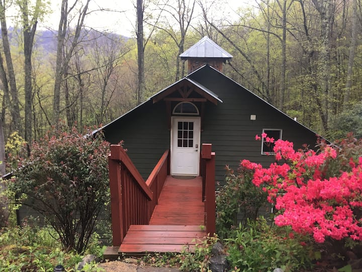 Secluded Cabin Minutes to Asheville