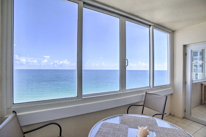 Kick back, relax and stay in style at this beachfront Fort Lauderdale condo.