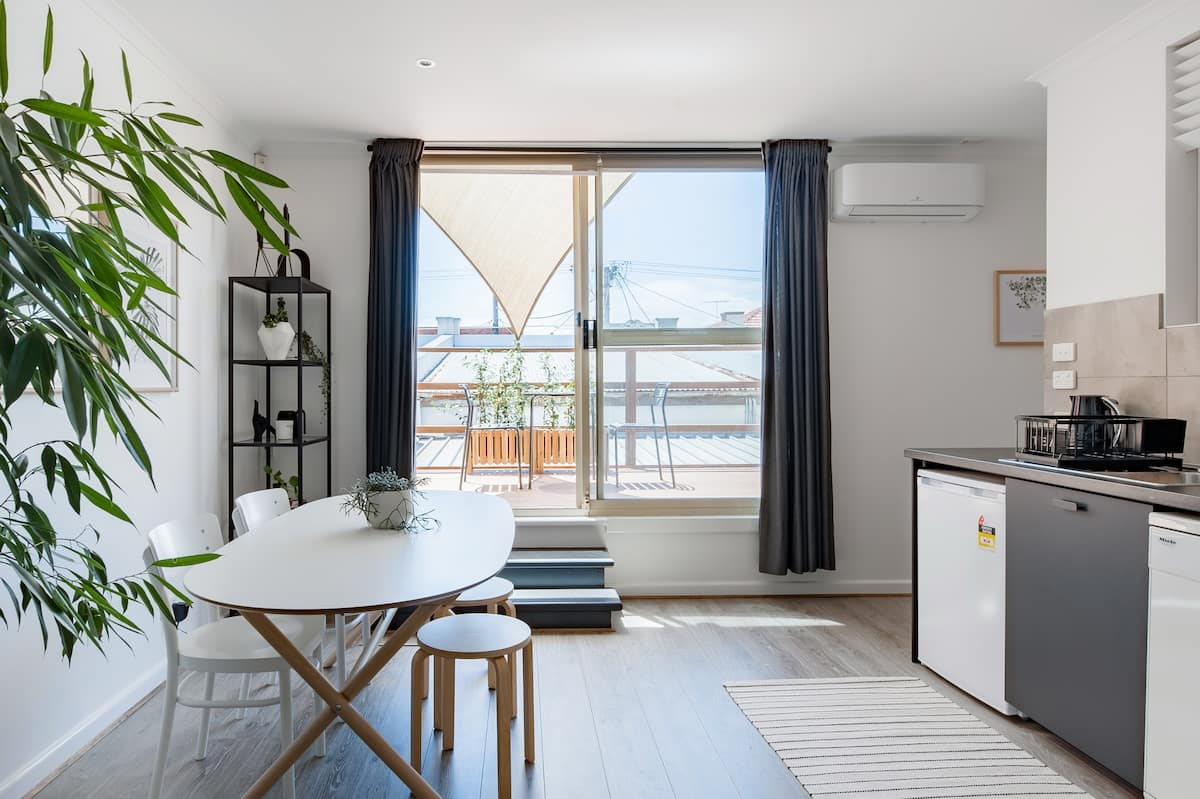 Cozy Nook Apartment in the Heart of Seddon Village