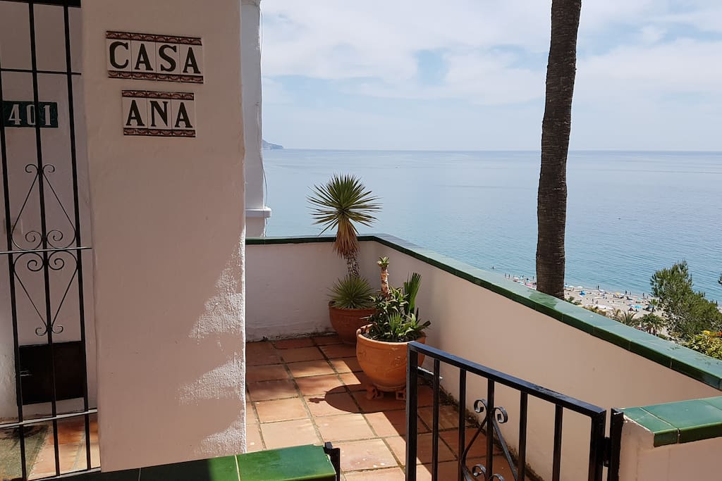Entrance to the apartment overlooking Burriana Beach