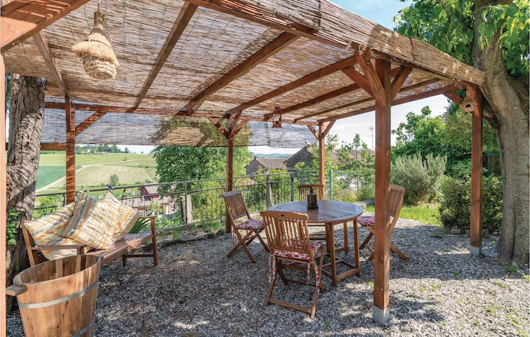 Holiday apartment with 2 bedrooms on 90m² in Rosignano Monferrato