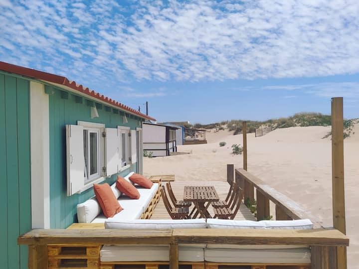 Private Beach Cabin near Lisbon w/ Suite