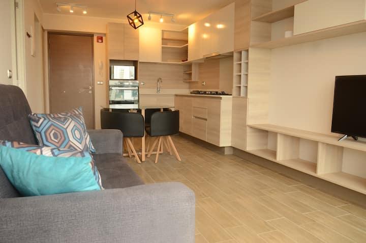 Moderno, elegante y bien ubicado departamento.