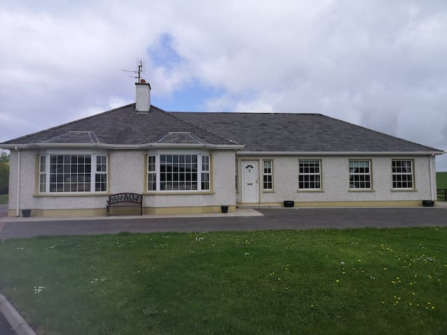 Bungalow close to Rossnowlagh and Donegal Town
