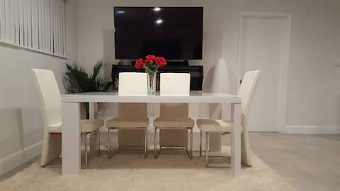 Central Location, close to Miami, Ft Lauderdale