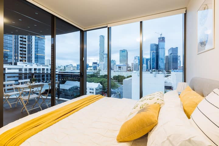 Modern and Elegant 2 Bed Apt @ Southbank