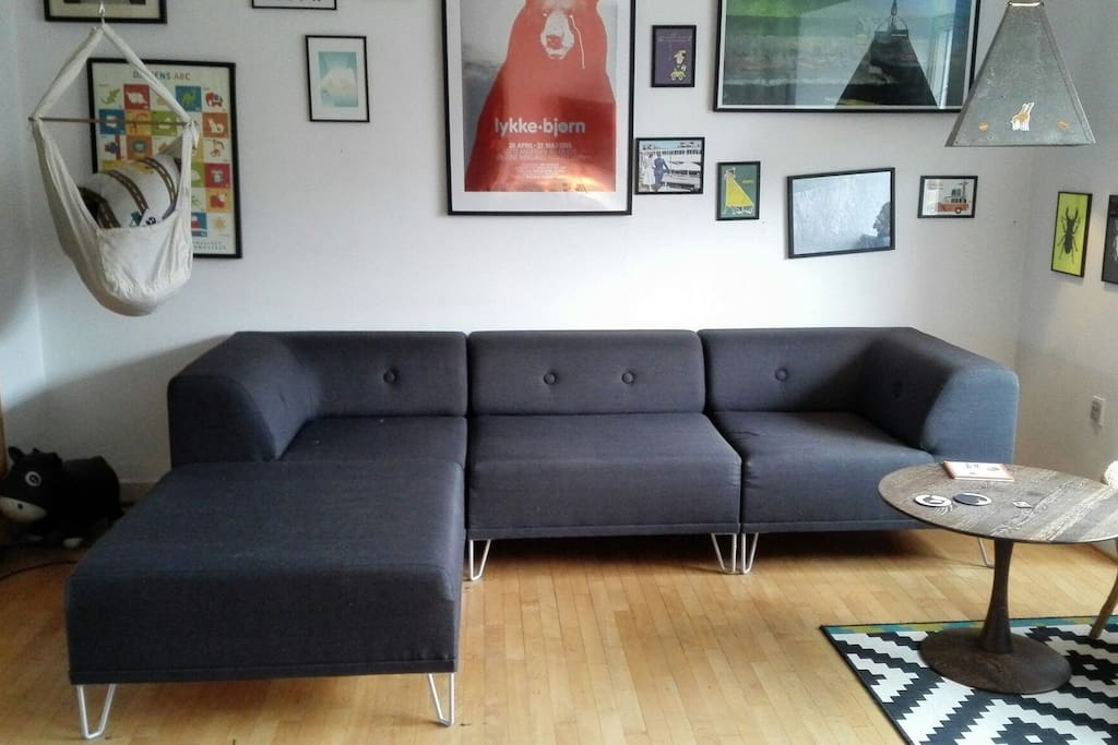 Couch (sleeping posibility for 1 person)