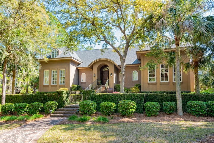 Stunning home with private pool, golf course views, English country gardens!
