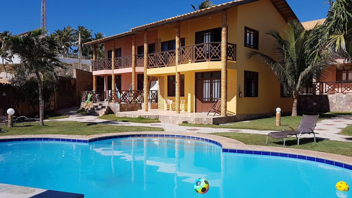 ff6a7d4b 86e7 493a 91aa a3fed89be5f3 - Airbnb em Canoa Quebrada: 8 casas de praia para aluguel de temporada