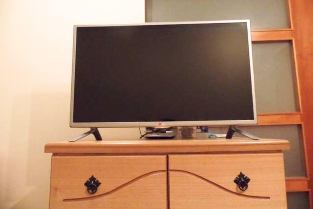 smart TV con wifi y cable
