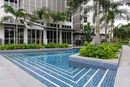 Resort style living and full condo facilities