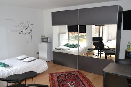 Modern Studio (4p) near Bruges with Free Parking