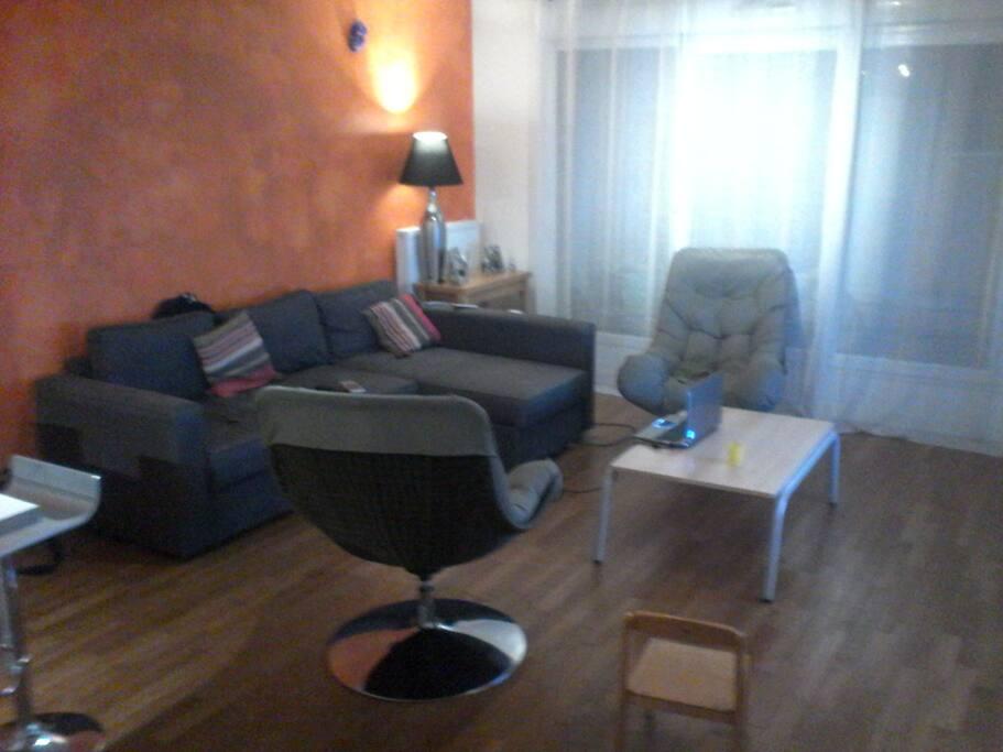 Grand Salon, canapé d'angle et fauteuil individuel