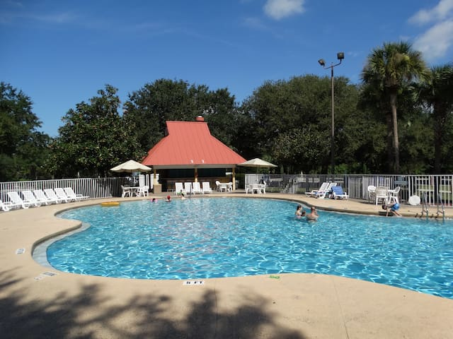From $26/nt Studio Condo Next To Disney, Sleeps 4! - Kissimmee - Condo