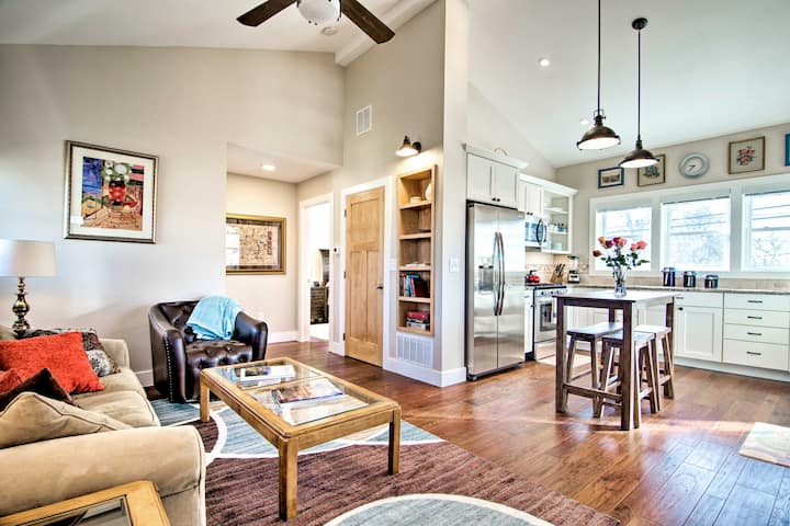 Sunny Lafayette Apt by Shops & Restaurants!