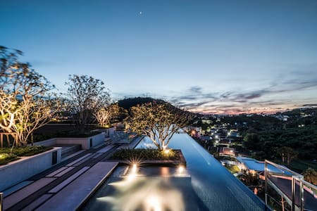 Phuket Town Condominium#2 - Seaview Swimming Pool
