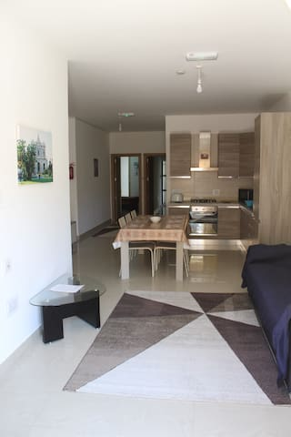 A New Warm Apartment Near The Airport - Ħal Safi - Departamento
