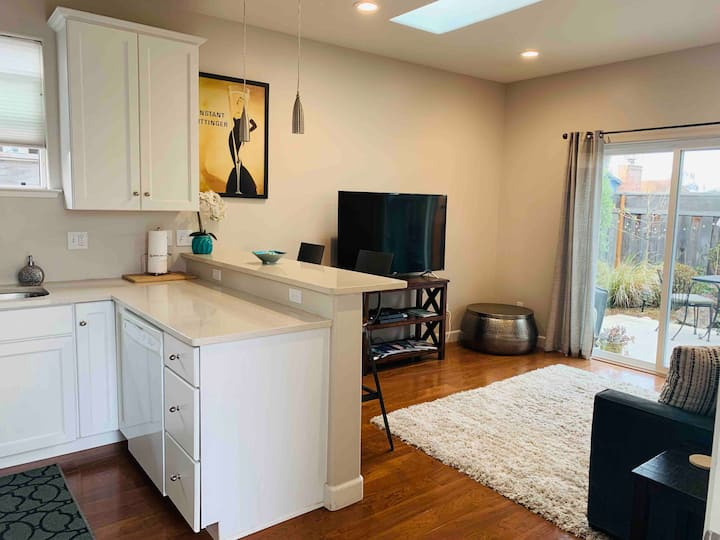 Upper WS Home 2 mi. from UCSC, Downtown & Beaches