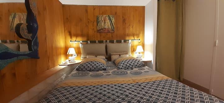 """Appartement F1  à Villa   """" Les Anges """".."""