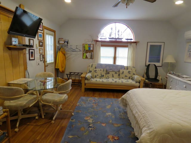 Cape Cod Studio-Crosswinds B&B Suites