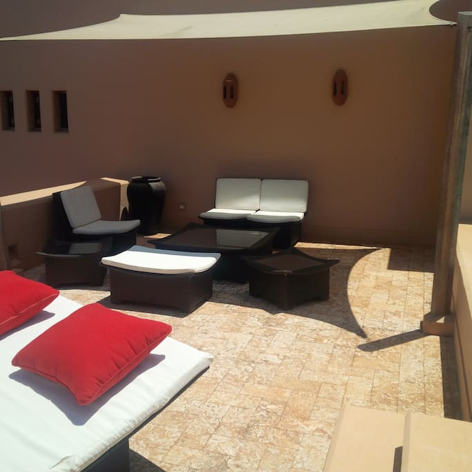 Roof Terrace by private plunge pool on roof
